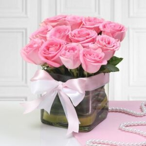 p-glass-vase-of-12-pink-roses-30861-m