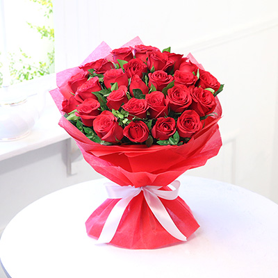 Beautiful 25 Red Roses Cake Industry Cake Industry