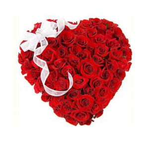 Exquisite Heart Shape Red Roses