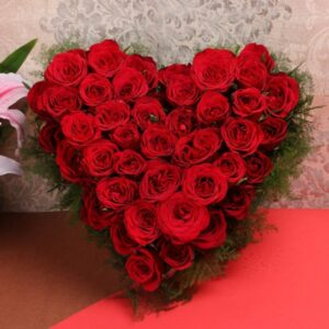 heart shape red roses basket