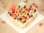 heart-shaped-fruit-cake