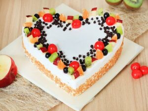heart-shaped-fruit-cake with chips