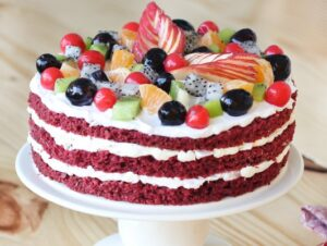 red-velvet-fruit-cake